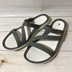 Iconic crocs comfort gray white strappy sandals 7
